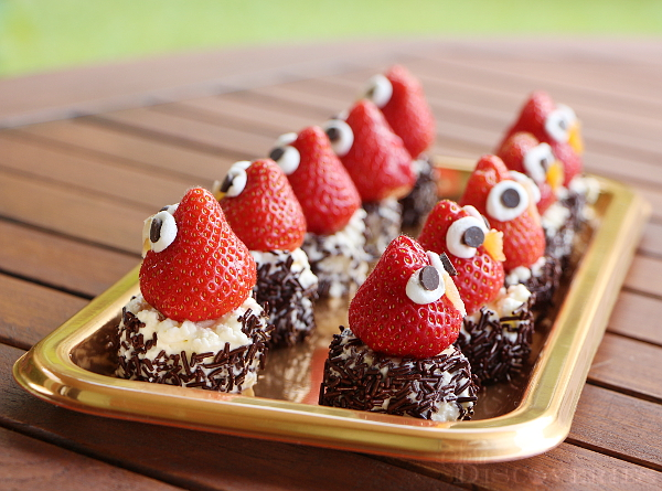 owl-snack-from-strawberries-4