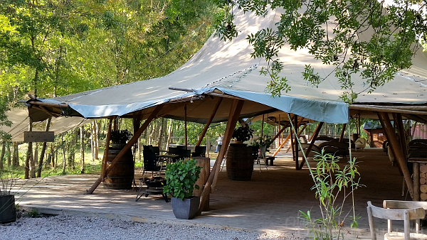 camp-trappeur-tent-1